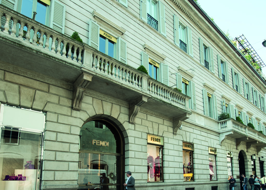 Milano Via Monte Napoleone, 3 – Boutique Fendi