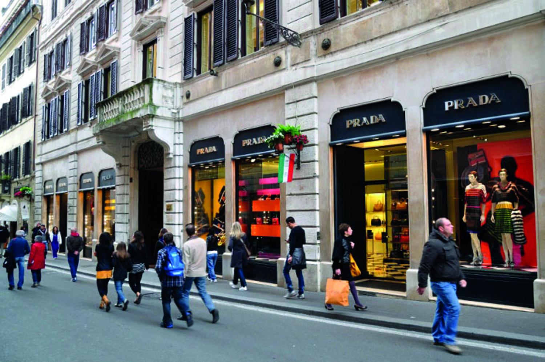 size 40 debb3 b28f4 Roma, Via Condotti – Boutique Prada « Respedil